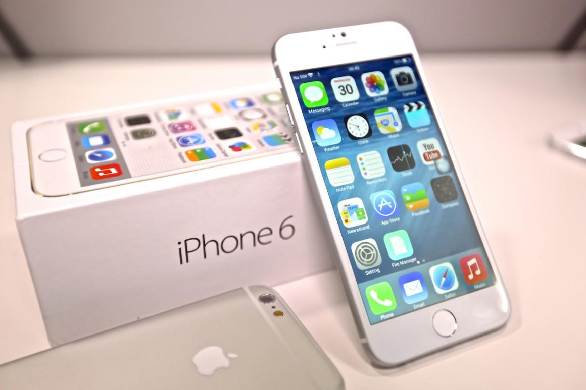 【スマホ】いったいいつ届くの!?iphone6の各社在庫状況